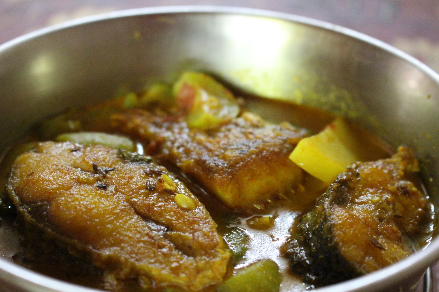 Rui Macher Jhol/ Light Rohu Fish Curry | Cooking Delight