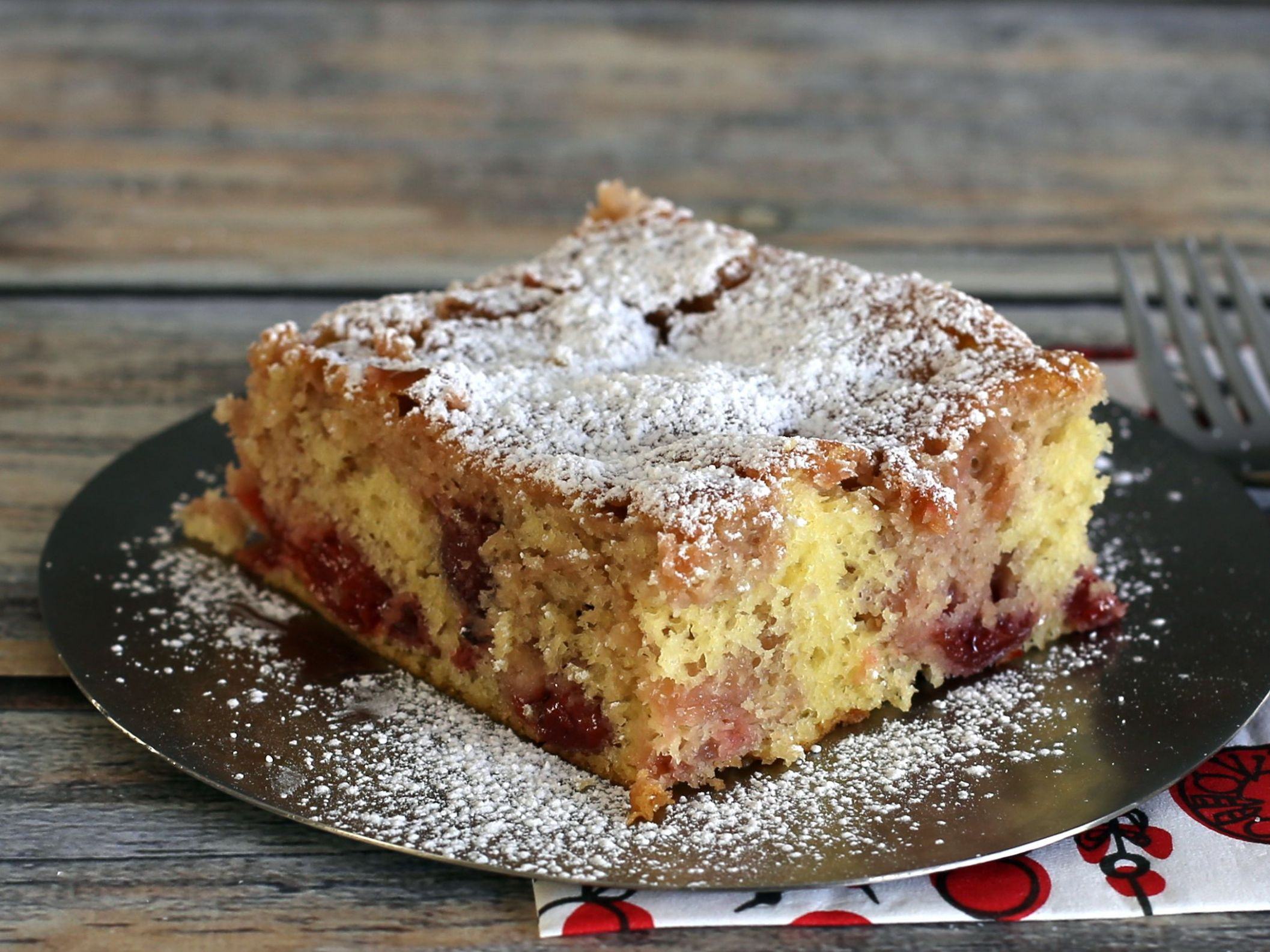 Semi-Homemade Cherry Cake - Recipes Cake Mix And Pie Filling