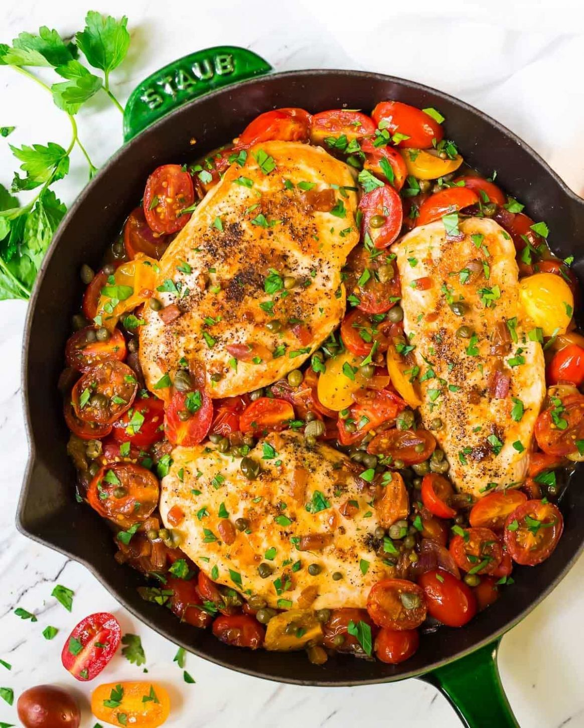 Simple Chicken and Tomatoes Skillet with Garlic and Capers - Recipes Chicken Tomatoes
