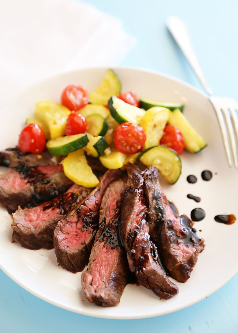 Skillet Balsamic Skirt Steak with Garlic Zucchini, Squash and Tomatoes - Dinner Recipes With Zucchini And Squash