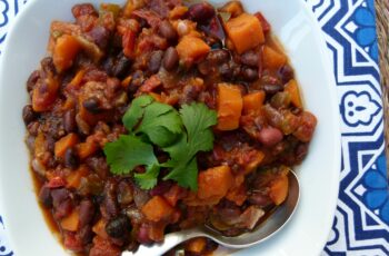 Slow Cooker Vegetarian Chili with Sweet Potatoes