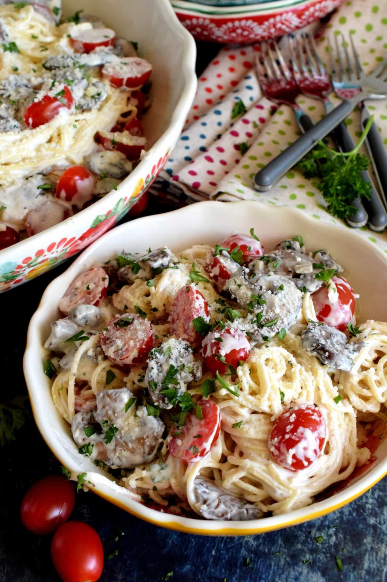 Spaghetti in Cream Cheese Sauce with Mushrooms and Tomatoes - Lord ..