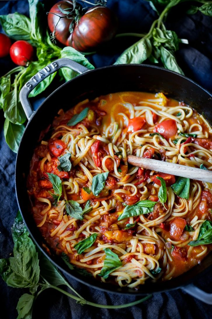 Spaghetti with Fresh Tomato Sauce | Feasting At Home - Recipes Pasta Sauce Fresh Tomatoes