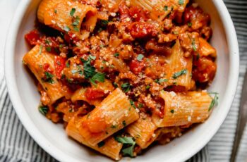 Spicy Italian Sausage and Peppers Pasta Recipe