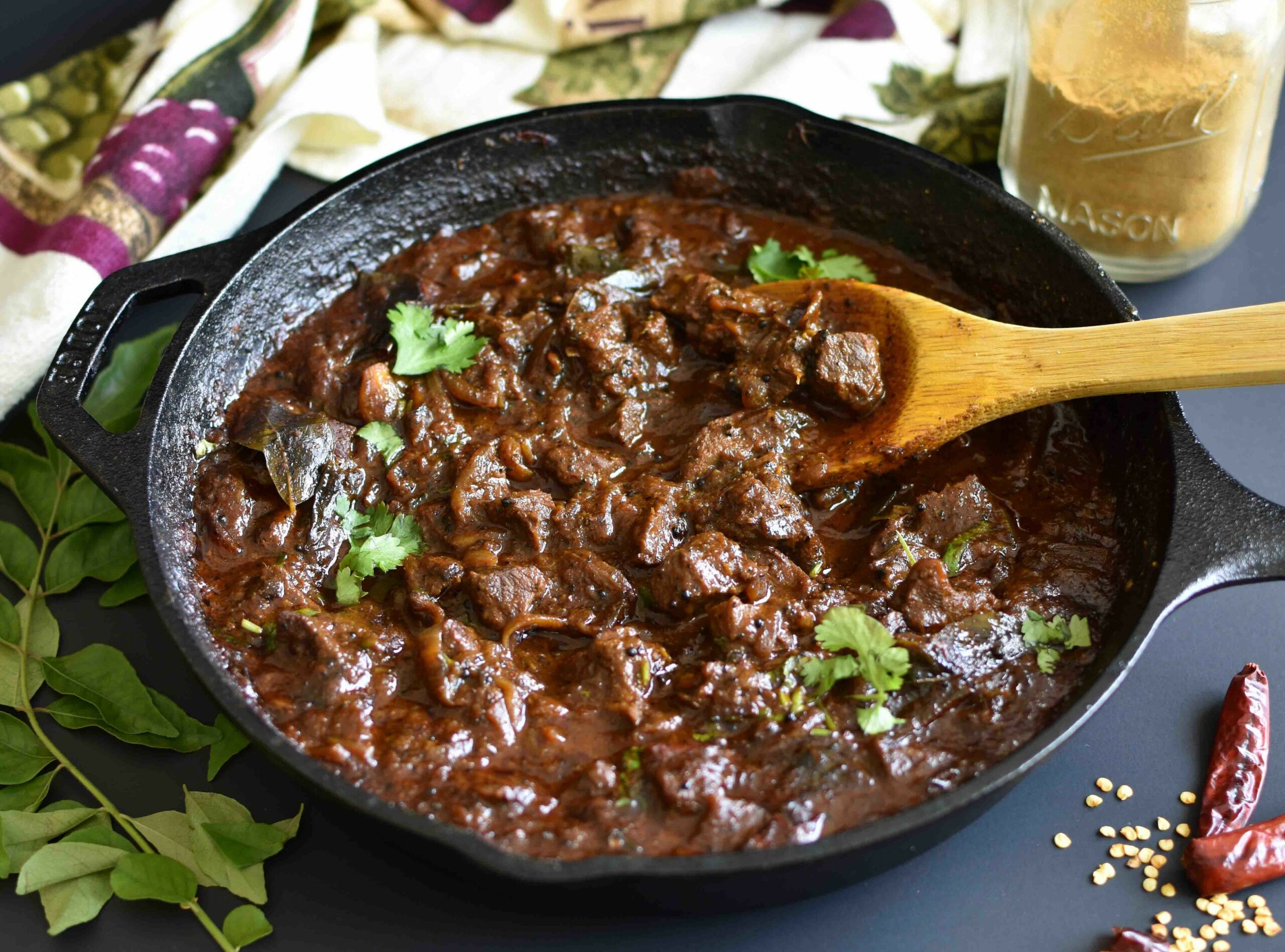 Spicy Slow cooked Beef Curry - Recipes Beef Rendang