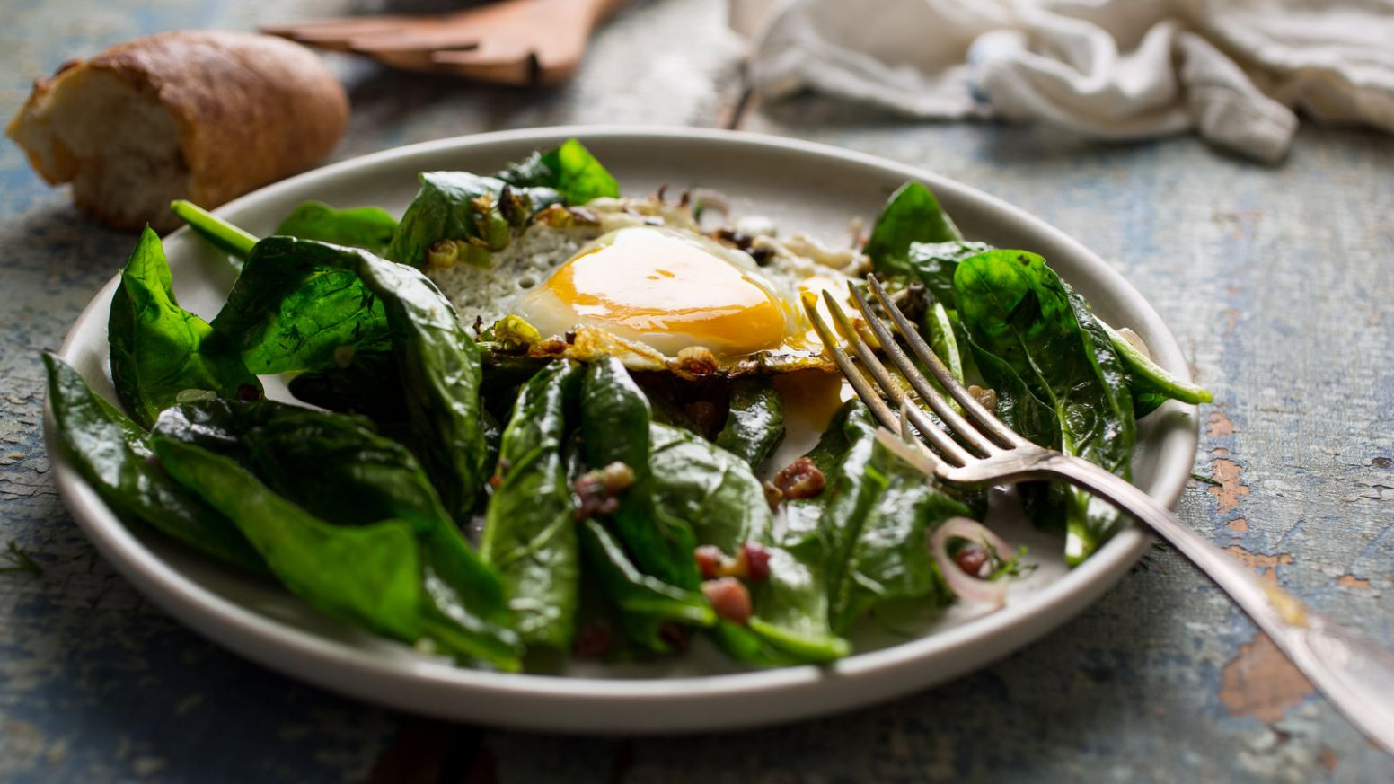 Spinach Salad With Fried Eggs - Salad Recipes Nytimes