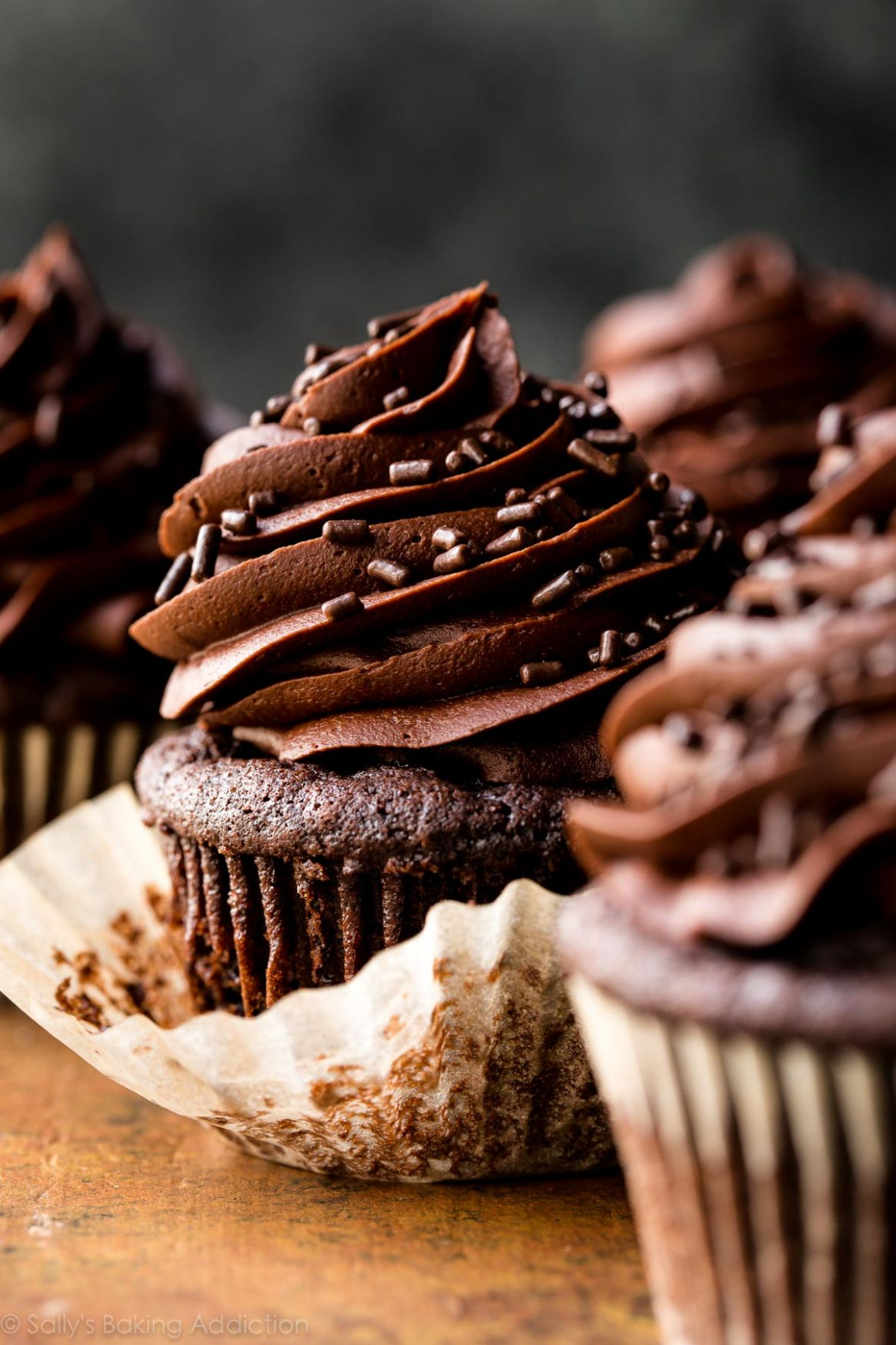 Super Moist Chocolate Cupcakes - Recipes Cooking Chocolate