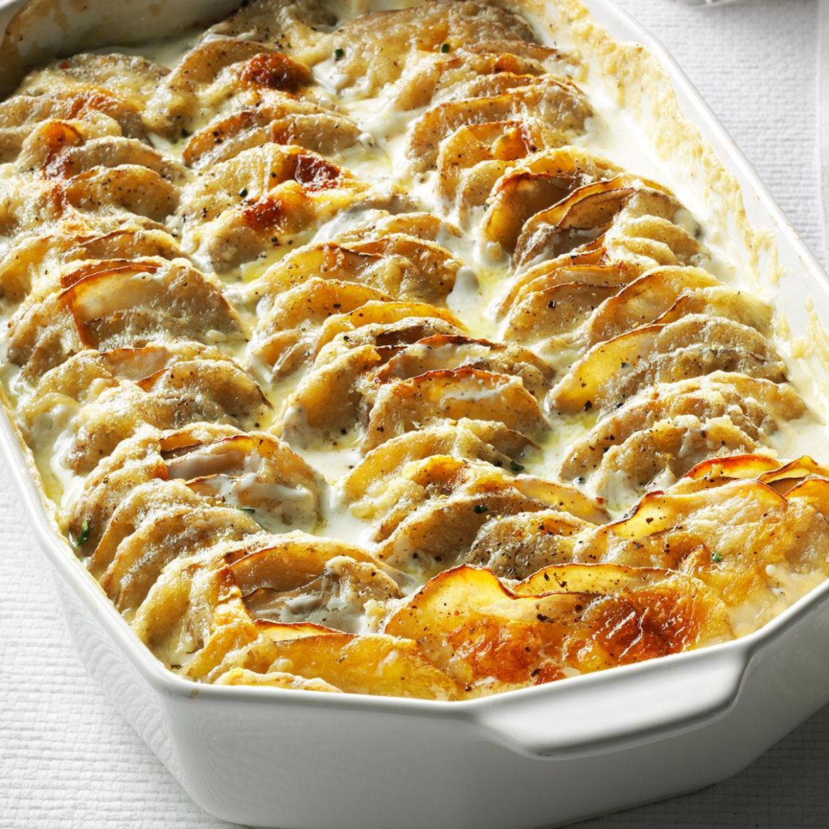 Super Simple Scalloped Potatoes - Easy Recipes With Potatoes