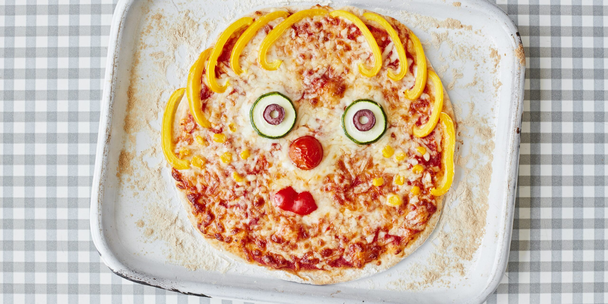 Toddler recipe: homemade pizza with veggie faces recipe | BBC Good ..