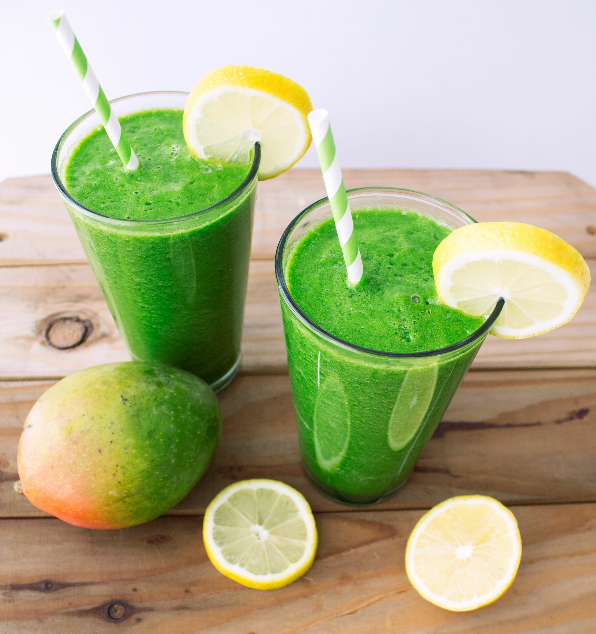 Tropical Green Juice made in a blender! - Vitamix Recipes Vegetable Juice