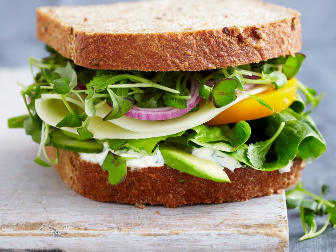 Vegetable Sandwich with Dill Sauce - Recipes Vegetarian Sandwiches