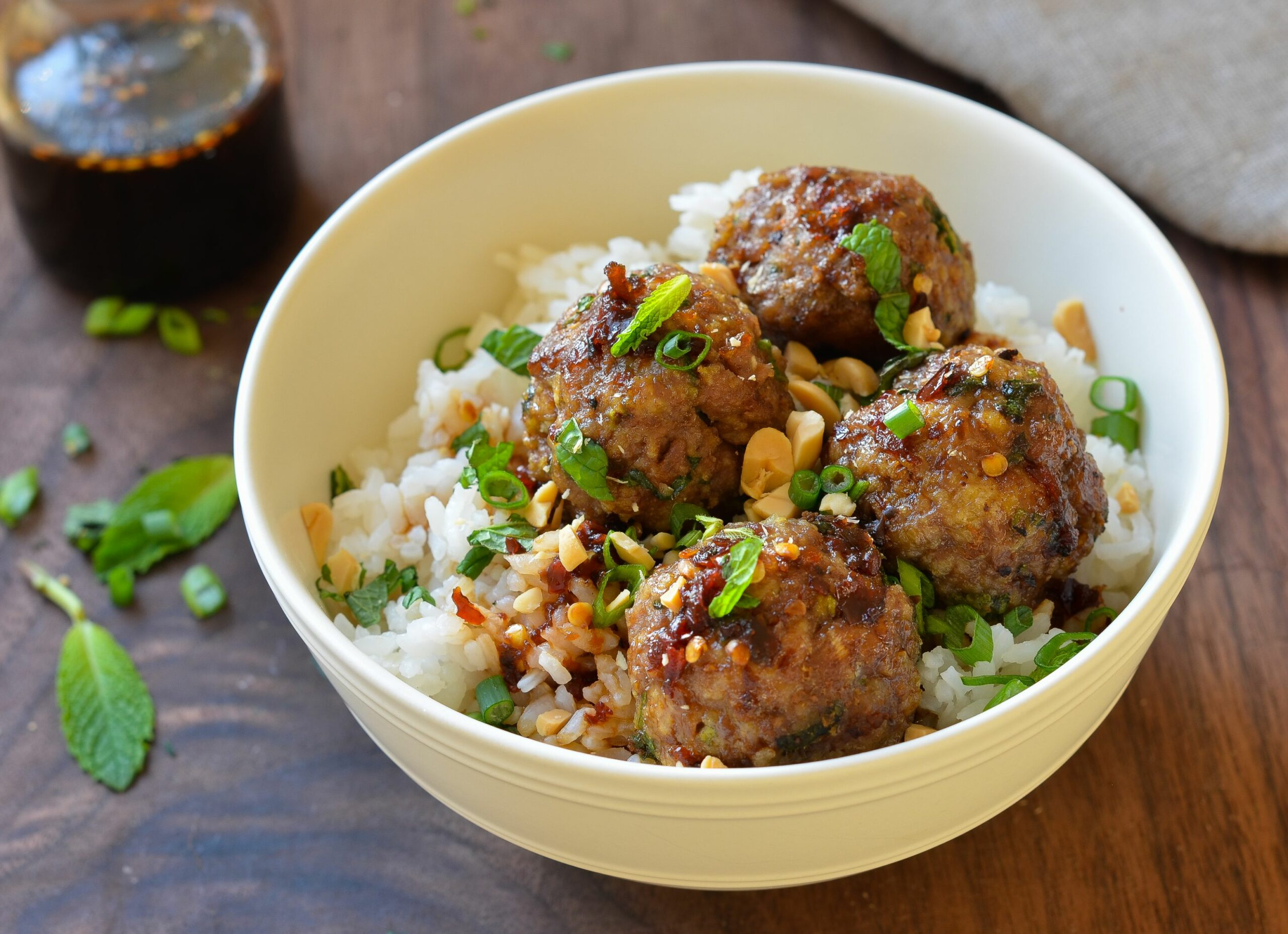 Vietnamese-Style Meatballs with Chili Sauce - Recipes Beef Meatballs